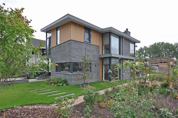 natuurlijke tuin moderne villa